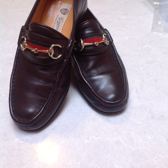 6533ed7d34a18 Vintage GUCCI Italy Horsebit Burgundy Mens Loafers